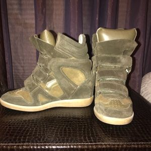 Isabel Marant Olive Bekett Suede High-top Sneakers